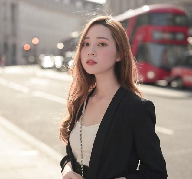 Cù Phương Linh – nữ du học sinh Anh xinh đẹp, tài năng.