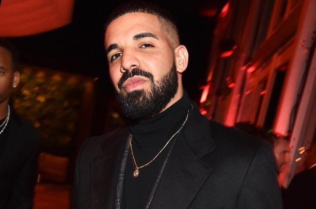 Drake là người khiến BTS phải chịu thua.