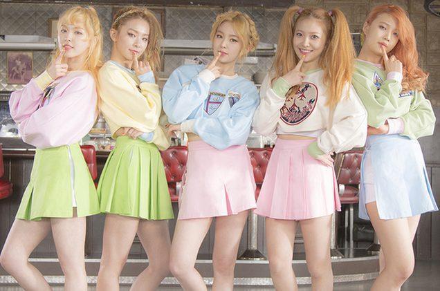 Red Velvet 5 thành viên.
