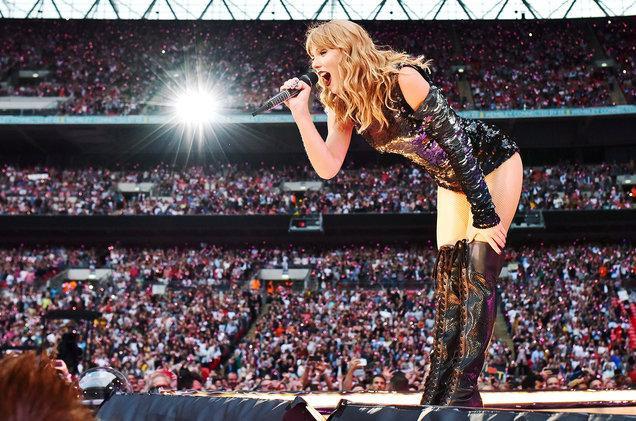 Nhờ Repution Tour mà cô nàng đã nhận được số tiền đáng mơ ước.