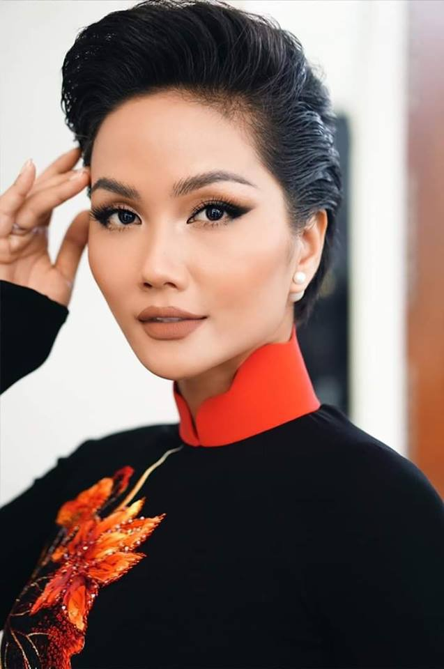 HHen Niê  Minh Tú  Tiểu Vy đồng loạt tung ảnh diện quốc phục: Mặn mà nhất vẫn là chị đẹp này! ảnh 0