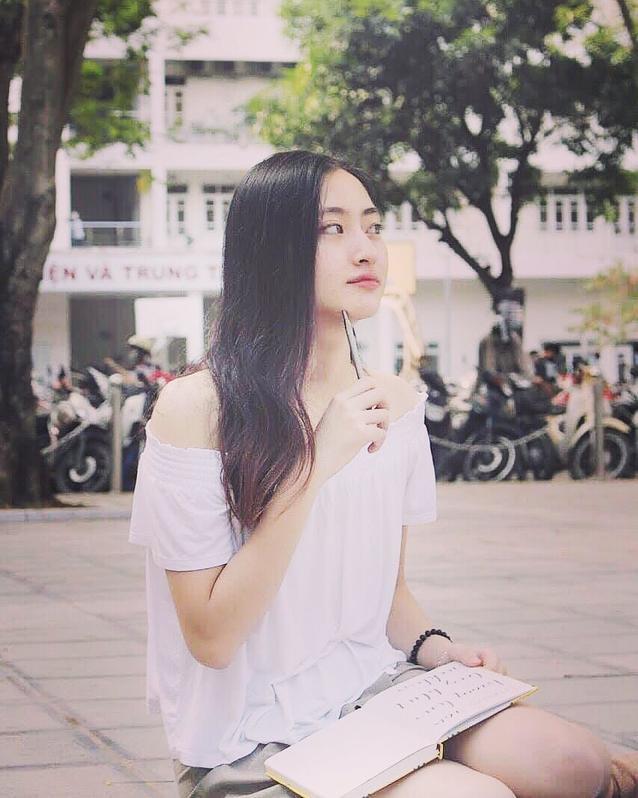Lương Thuỳ Linh hiện đang là sinh viên trường Đại học Ngoại Thương.