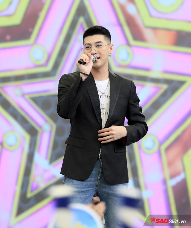 Noo Phước Thịnh xuất hiện bảnh bao trong sự kiện giao lưu cùng người hâm mộ.