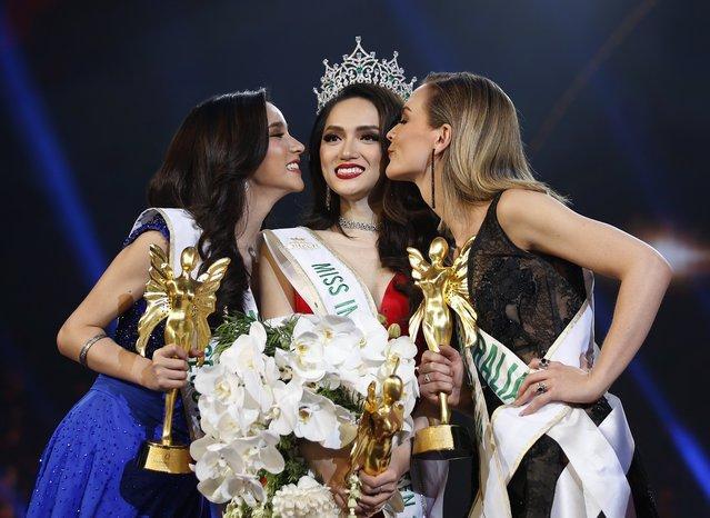 … và đăng quang tại Miss International Queen 2018.