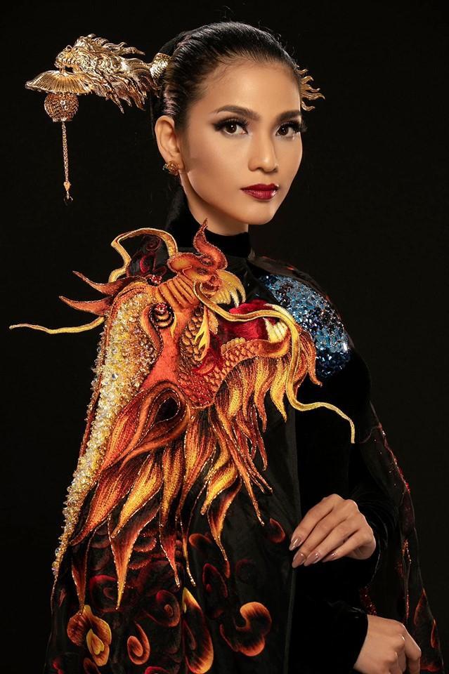 Á hậu Trương Thị May.