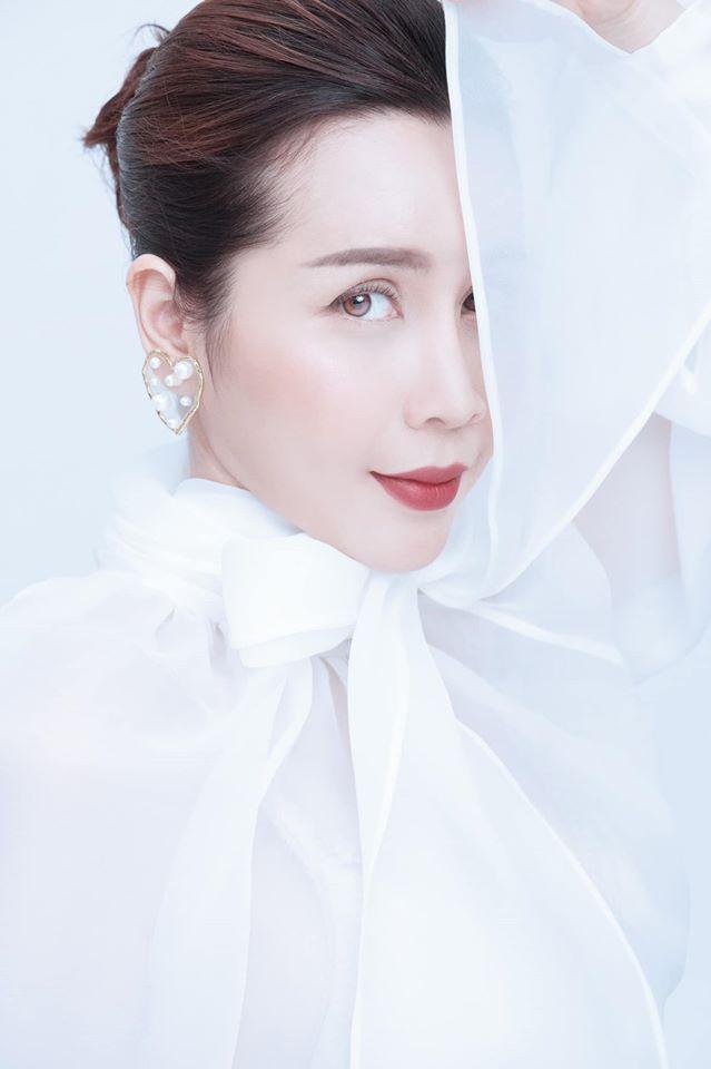 Nhìn nhan sắcxinh đẹp hoàn hảo hiện tại, Lưu Hương Giang được nhận xét là quả thật không bỏ công trốn chồng sang Hàn thẩm mỹ