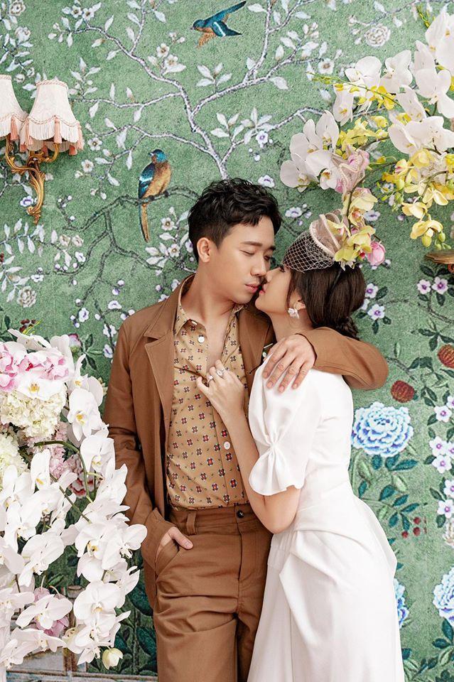 Trấn Thành - Hari Won cặp vợ chồng 'cuồng hôn' nhau nhất năm 2019