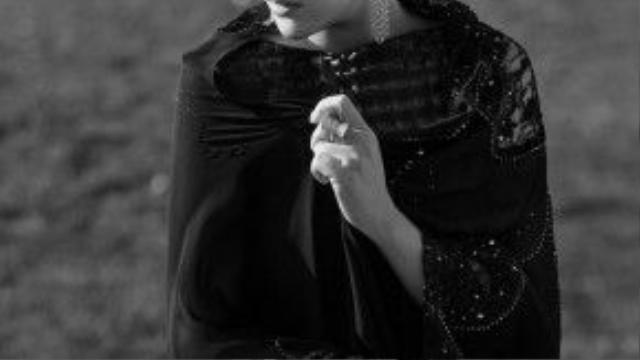Cổ điển mà hiện đại, tinh tế nhẹ nhàng mà đầy vẻ đẹp quyền uy, lối xưa mộng mị cũng khiến mắt người nhìn mộng mị, ngẩn ngơ.