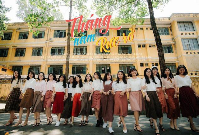 Mong muốn tái hiện vẻ đẹp của Sài Gòn xưa, các bạn học sinh trường Nguyễn Chí Thanh đã hóa thân thành những cô cậu học trò của những năm thập niên 80-90 vui tươi, yêu đời.