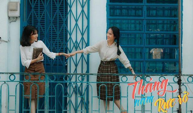 """""""Tụi em mong muốn sau khi xem bộ ảnh mọi người có thể thấy được vẻ đẹp của Sài Gòn xưa, nhận ra vẻ đẹp trong ngần của thành phố cũng như tình yêu trong sáng vui tươi của những người trẻ"""", bạn Thảo Anh, một thành viên trong lớp chia sẻ."""