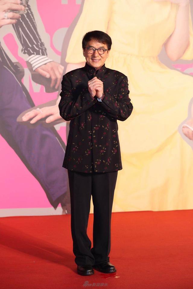 Trong những năm qua, mặc dù tập trung ở vai trò sản xuất và đào tạo nghệ sĩ mới nhưng Thành Long vẫn chăm chỉ đóng phim.