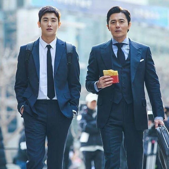 Yêu chị đẹp thì cứ để Jung Hae In lo còn Park Hyung Sik yên tâm mặc suits và đấu trí ảnh 5