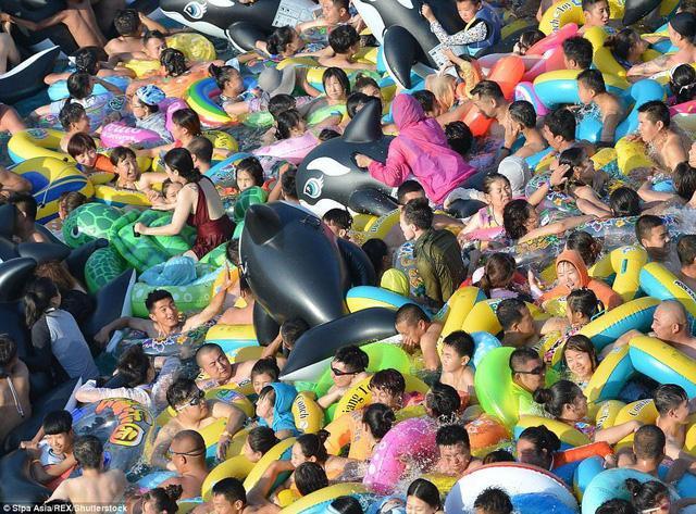 Hình ảnh ấn tượng thể hiện sự đông đúc của Trung Quốc - quốc gia đông dân nhất thế giới