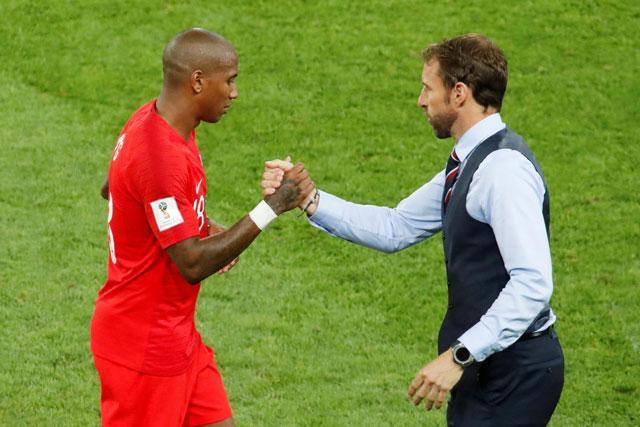 Young (trái) khó có thể góp mặt ở trận gặp Thụy Điển. Ảnh: Getty.