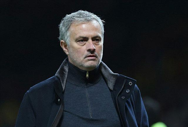 Mourinho cho rằng, FIFA thiên vị tuyển Pháp khi không cho 2 trận bán kết diễn ra cùng ngày.