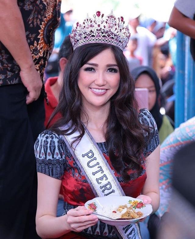 Nhan sắc kém thu hút của đại diện Indonesia 2018 khi mới đăng quang