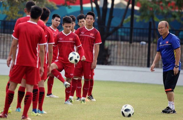 Các CĐV tin tưởng vào khả năng Olympic Việt Nam sẽ hạ Olympic Syria.