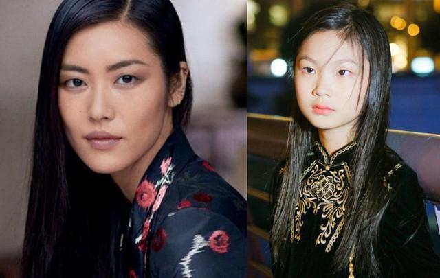 """Cô bé khiến nhiều người liên tưởng tới siêu mẫu """"số 1 châu Á"""" Liu Wen (mỹ từ báo chí dành tặng cho Liu Wen, một trong những người mẫu giúp nền thời trang khu vực vươn xa trên thị trường quốc tế). Đó là lý do dù khá nhỏ tuổi nhưng cô bé đã sải bước trên nhiều sàn diễn trong và ngoài nước, bỏ túi loạt thành tích đáng nể."""