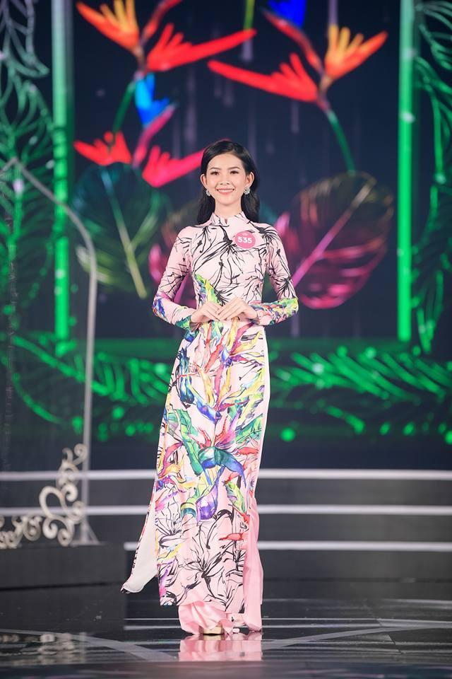 Cô nàng đã xuất sắc lọt top 7 thí sinh gây ấn tượng của khu vực miền Nam trong cuộc thi Hoa hậu.