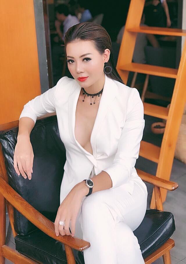 Diễn viên Thanh Hương sở hữu nhan sắc xinh đẹp và thân hình quyến rũ.