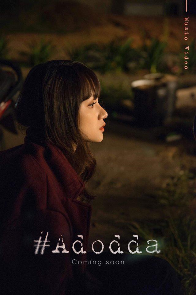 Poster sản phẩm của Hương Giang với tựa đề gây tò mò:#ADODDA. Hương Giang ngồi cô đơn và khẳng định một lần nữa: không hề có chuyện được cầu hôn.