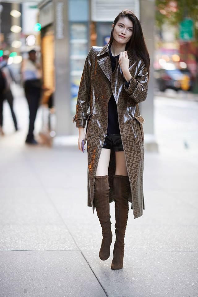 Siêu mẫu Sui He của Trung Quốc đến với show đã được 8 năm