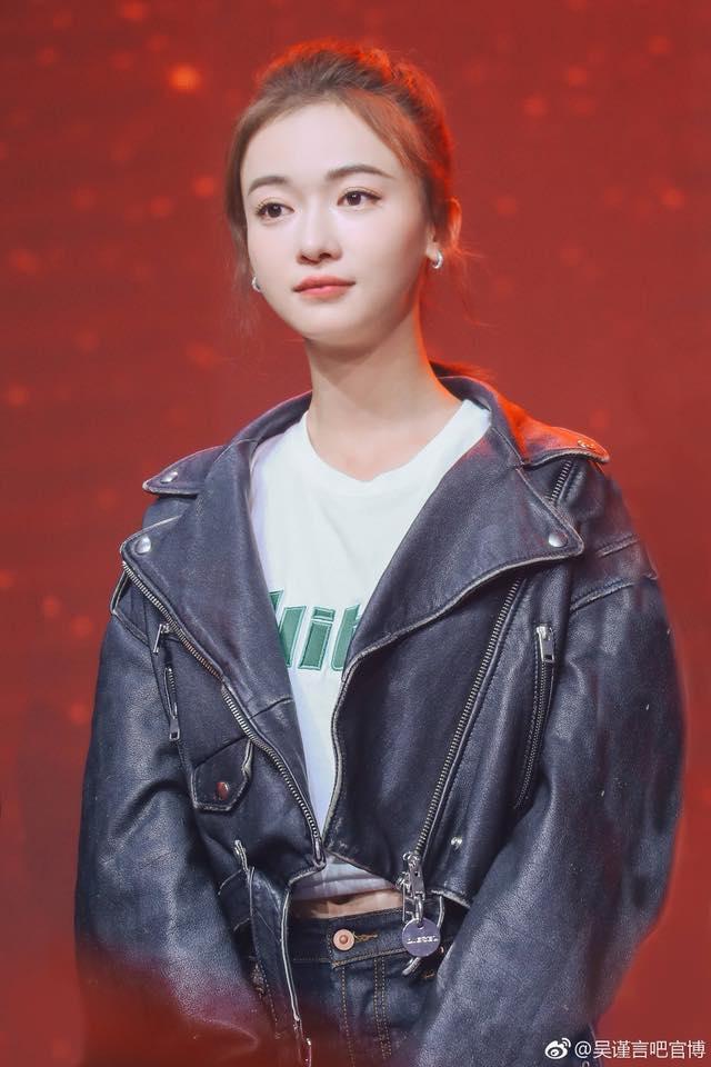 Đạt được Thị hậu Kim Ưng, Địch Lệ Nhiệt Ba sánh ngang với Ảnh hậu Kim Mã  Châu Đông Vũ, đứng đầu thành tích tiểu hoa 9X ảnh 21