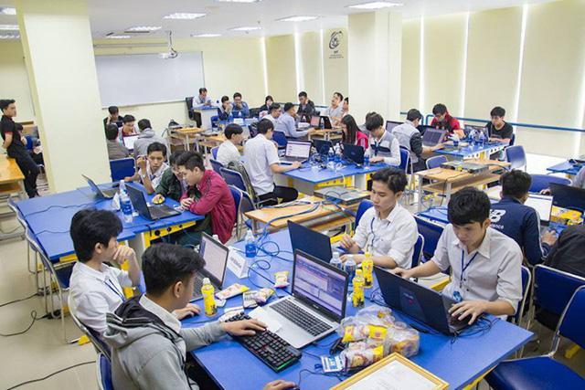 Sinh viên Trường Đại học Công nghệ thông tin.
