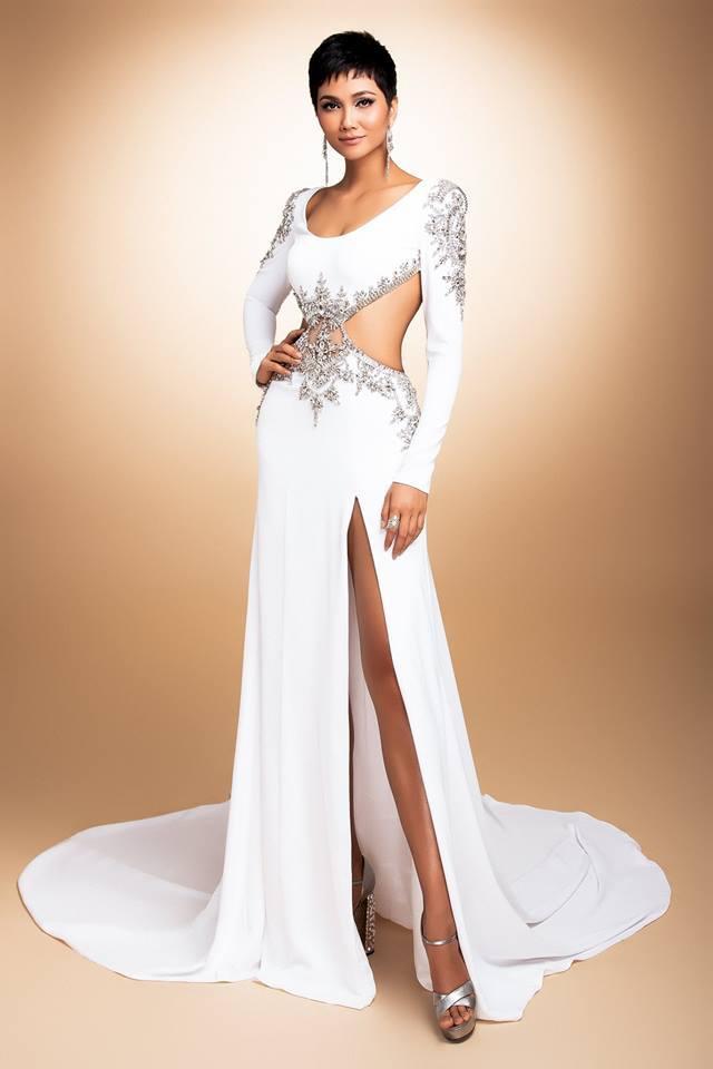 Hình ảnh 1 trong 3 bộ trang phục dạ hội của H'Hen Niê được công bố trước đêm bán kết Miss Universe diễn ra.
