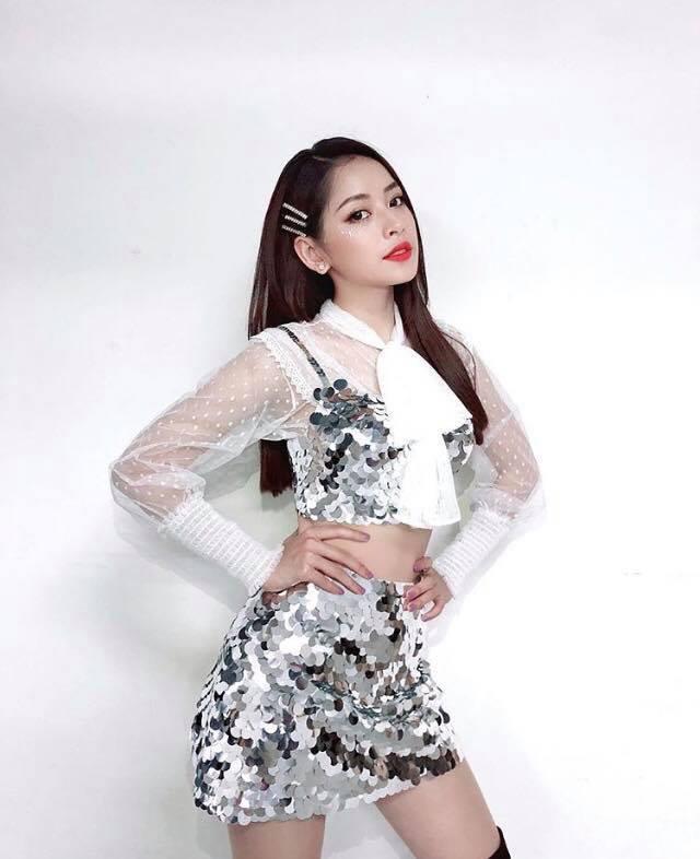 Trước đó, đội tuyển Việt Nam có Đức Chinh cũng đã từng hợp tác với Chi Pu trong một quảng cáo.