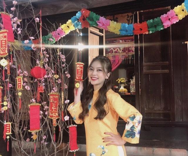 Hình ảnh bạn gái Quang Hải trong MV mới
