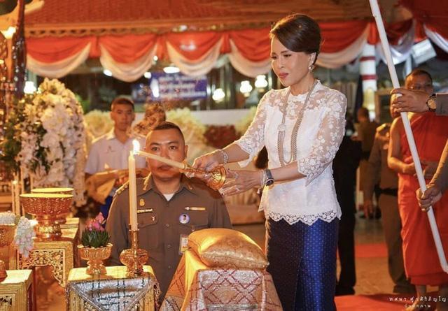 Công chúa Thái Lan Ubolratana Rajakanya tham gia một nghi lễ hoàng gia ở Bangkok - Ảnh: Instagram