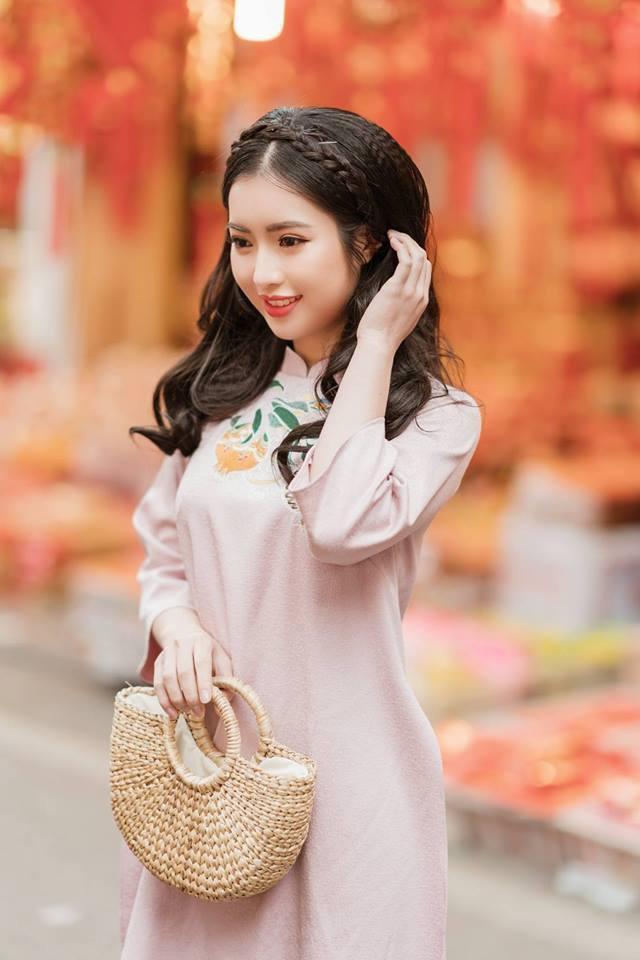 Về ngành nghề mong muốn theo đuổi sau khi tốt nghiệp, Khánh Linh cho hay cô vẫn chưa quyết định, có thể vẫn là ngành ngoại giao nhưng cũng có thể tham gia kinh doanh.