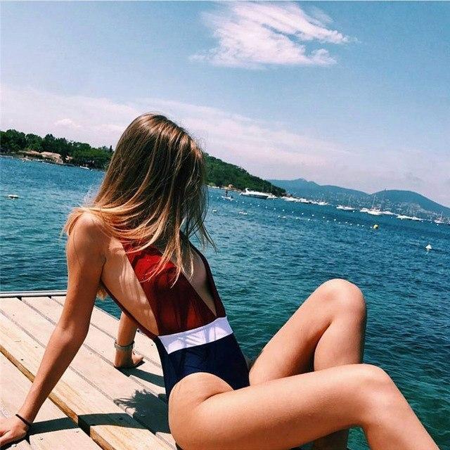 Monokini rất tiện cho những bạn nữ nào có vòng 2 quá khổ
