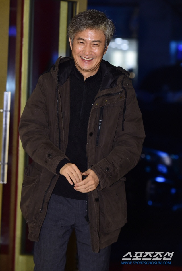 Ahn Nae Sang.