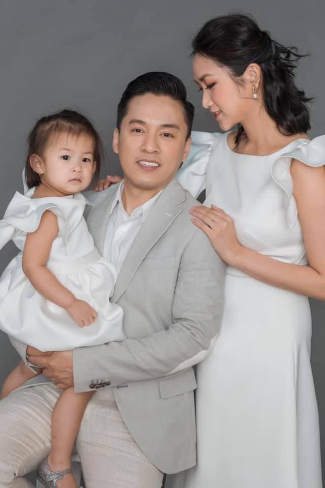 Gia đình hạnh phúc của ca sĩ Lam Trường