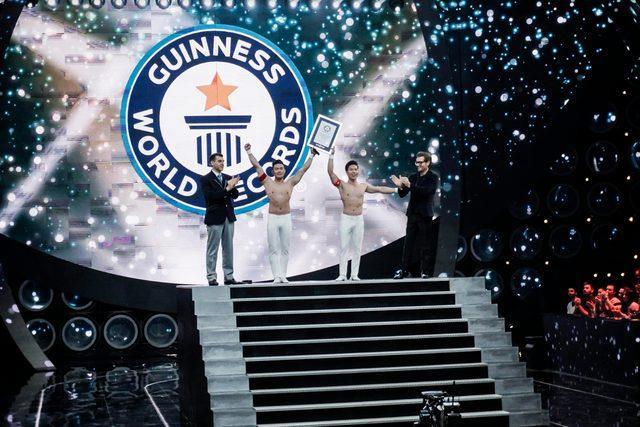Quốc Cơ  Quốc Nghiệp sẽ tự phá kỷ lục Guiness chồng đầu vượt 100 bậc thang tại Việt Nam? ảnh 3