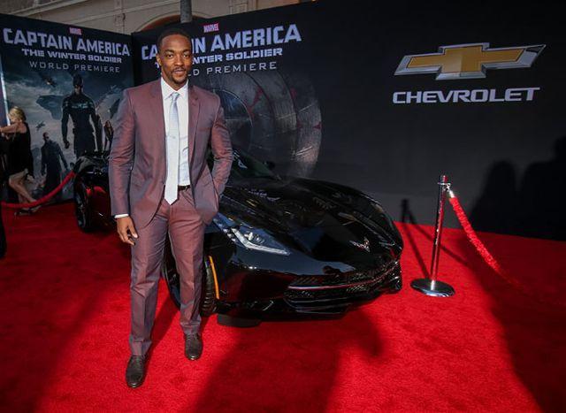 5. Anthony Mackie (Falcon): Sau khi gia nhập vũ trụđiệnảnh Marvel, Anthony Mackieđã thực sở trở nên nổi tiếng với vai diễn Falcon. Mackie hiệnđang lái chiếc Chevrolet Corvette ở ngoàiđời cũng như trong loạt phim Avengers.