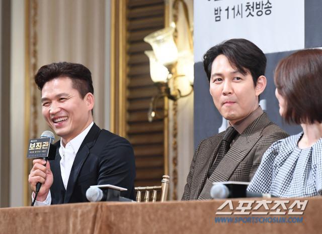 Shin Min Ah đọ sắc Lee Elijah, cùng loạt sao hạng A dự họp báo phim Advisor ảnh 16