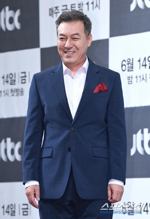 Nghị sĩ nhiệm kỳ 4 năm Song Hee Seob (Kim Kap Soo)
