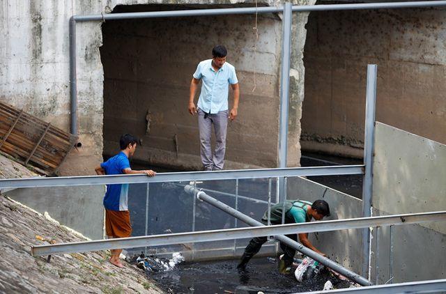 Đại diện đơn vị thực hiện cho hay, việc thí điểm xử lý phân hủy bùn ở sông Tô Lịch sẽ kéo dài trong vòng 1 tháng. Đơn vị dự kiến sẽ tiếp tục thí điểm công nghệ này tại sông Nhuệ, sông Đáy và sông Tích.