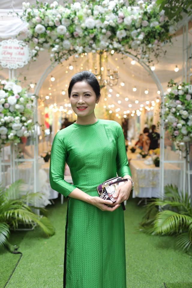 """Năm 2018, tại Liên hoan sân khấu Kịch nói toàn quốc, Đinh Thị Thúy Hà đã nhận được Huy chương Bạc trong vở kịch nói """"Vùng Lạnh"""" do NSND Hoàng Dũng làm đạo diễn."""