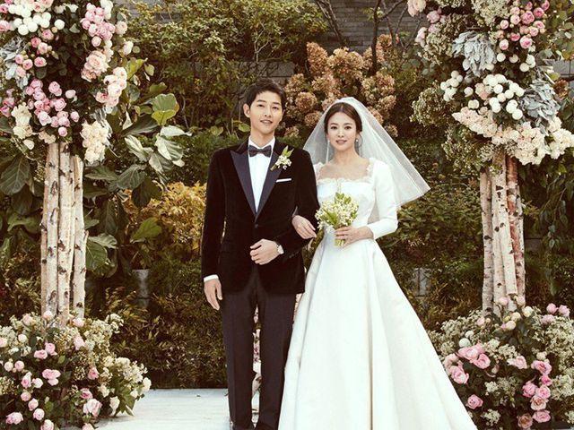 Hôn lễ của Song – Song couple tổ chức phạm năm Kim Lâu.