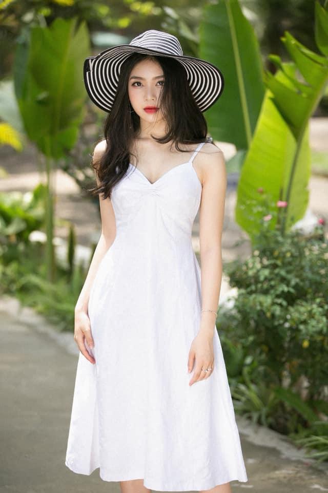 Diện quân phục màu xanh đi thi Đại học, nữ sinh Hà Tĩnh bất ngờ nổi rần rần bởi quá đỗi xinh đẹp ảnh 7