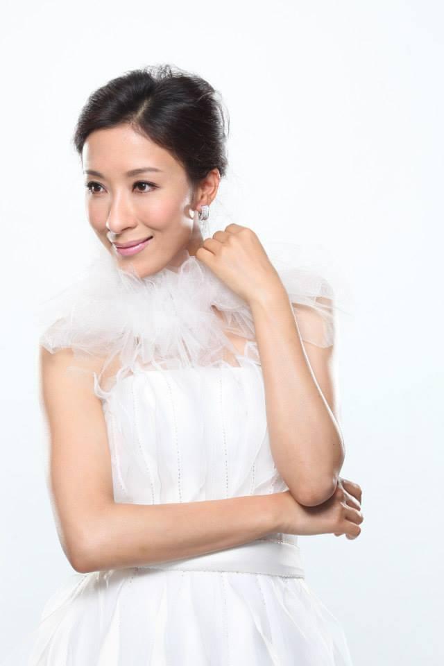 4 lần Dương Di khiến khán giả bị shock trên màn ảnh TVB: Diêu Kim Linh hay Lâm Tụng Ân điên hơn? ảnh 1