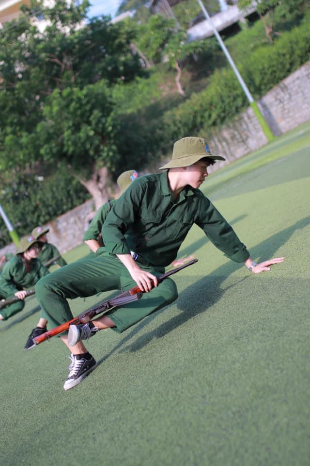 Học kỳ quân đội tuy diễn ra trong thời gian ngắn nhưng là những ngày hè thật ý nghĩa, một gam màu không thể thiếu trong bức tranh học tập, rèn luyện sinh động và chất lượng của sinh viên Tôn Đức Thắng.