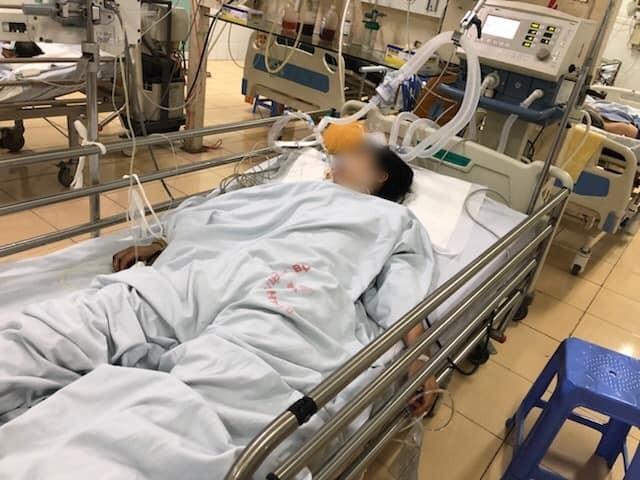 Nữ sinh bị tai nạn giao thông nghiêm trọng, hiện đang được theo dõi điều trị.