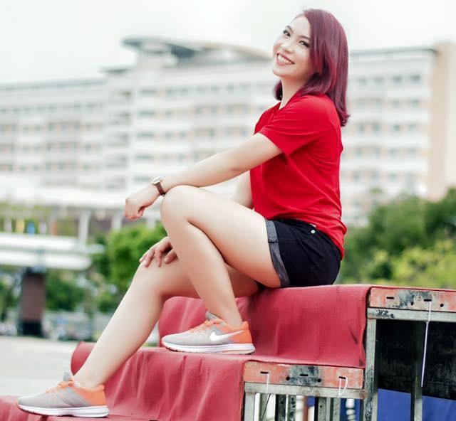 Một góc nghiêng để thấy vì sao cư dân mạng khen ngợi Anh Đào quyến rũ và đẹp như ca sĩ Mỹ Tâm. Đây đích thị là nữ trọng tài xinh đẹp và nóng bỏng nhất Việt Nam.