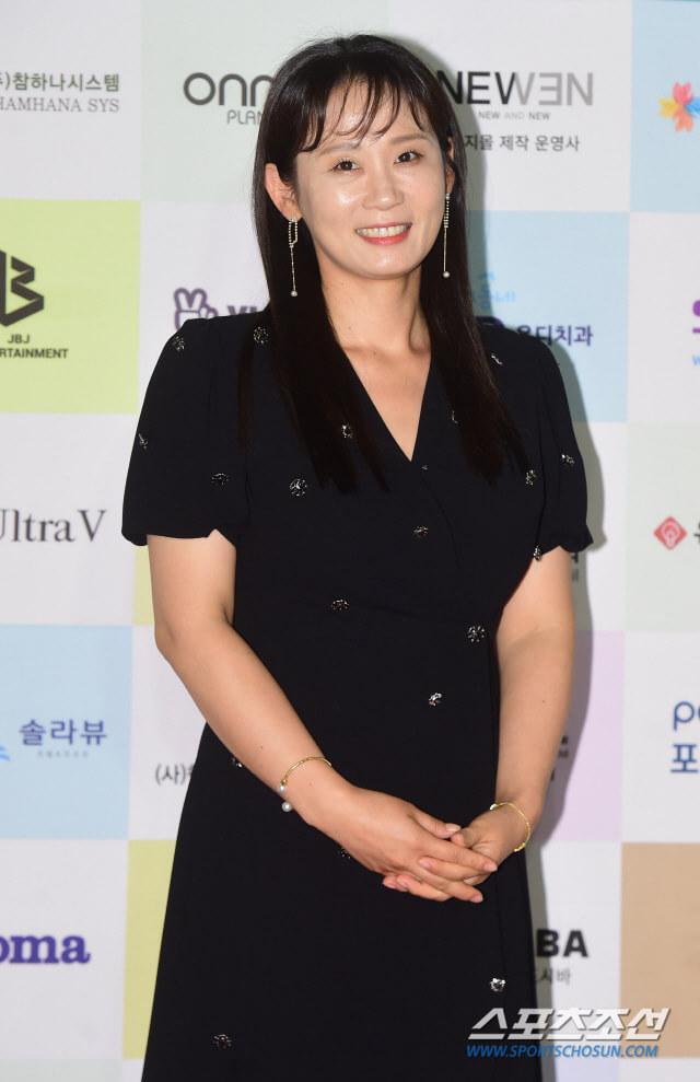 Kim Sun Young.