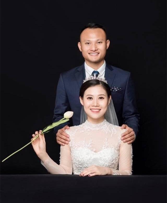 Sáng sớm, Trọng Hoàng đã lãng mạn hát tặng vợ trong ngày sinh nhật ảnh 1